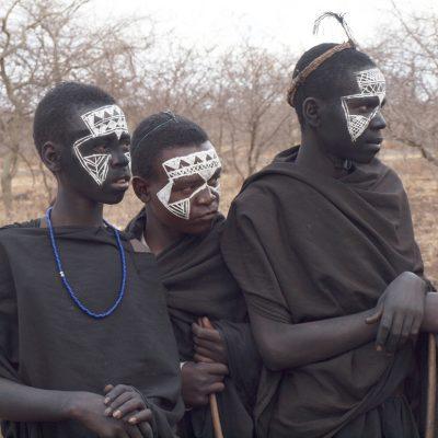 junge Massaimänner